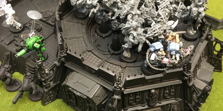 http://www.aurumvorax.com/files/batreps/2000-wolves-vs-allied-tau-orks-20171021/0461-21-15-29-x1-stormboyz-on-fangs.jpg