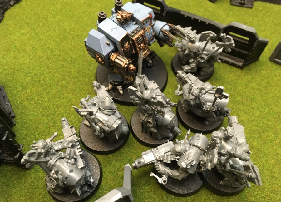 http://www.aurumvorax.com/files/batreps/2000-wolves-vs-allied-tau-orks-20171021/0470-21-16-26-w1-bjorn-charge-flash-gitz.jpg