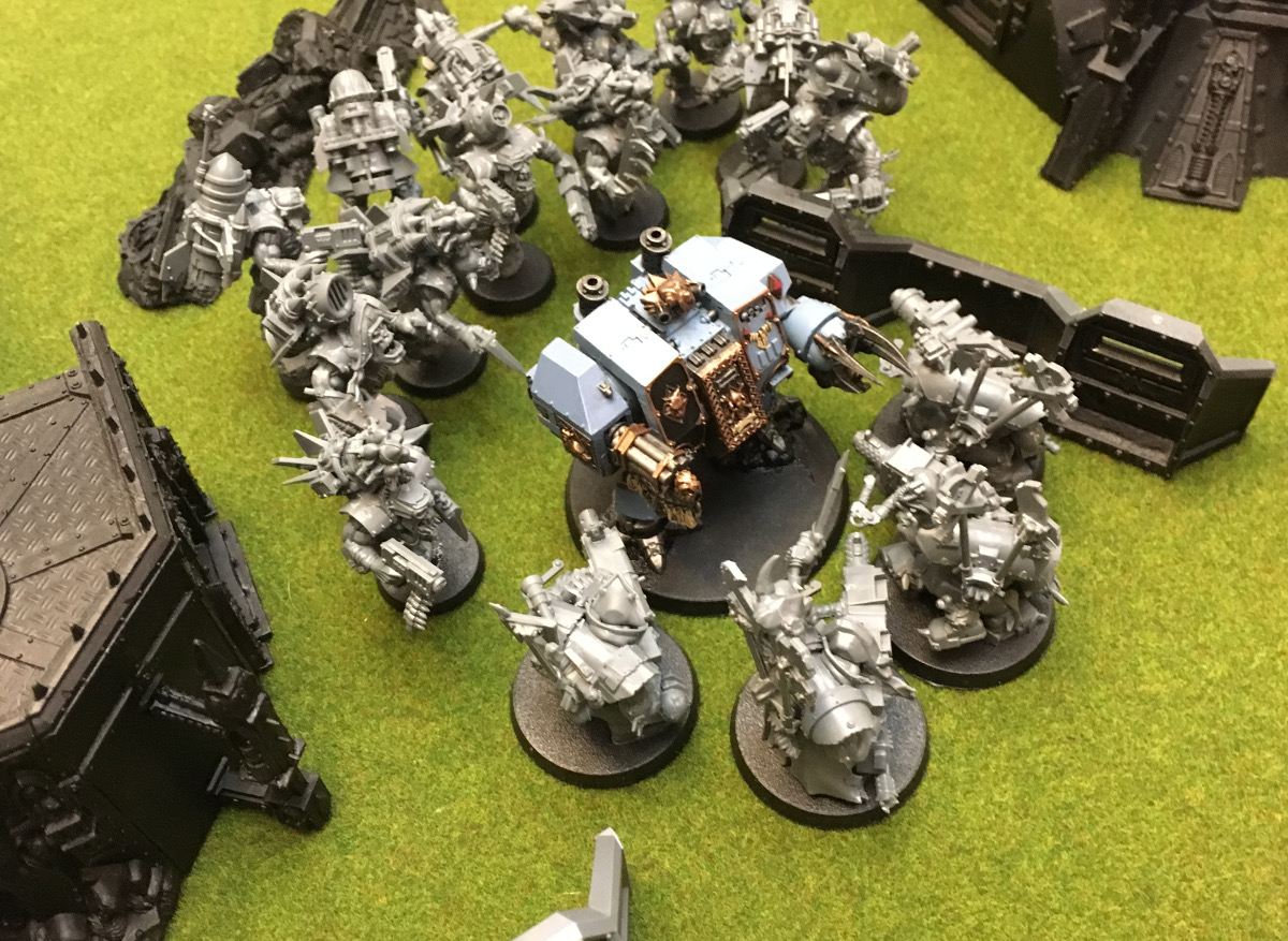 http://www.aurumvorax.com/files/batreps/2000-wolves-vs-allied-tau-orks-20171021/0478-21-16-41-x2-bjorn-holds-the-gap-stormboyz-assist.jpg
