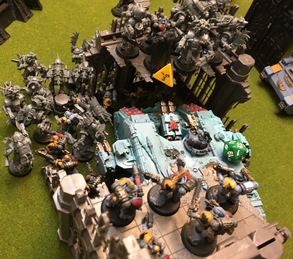 http://www.aurumvorax.com/files/batreps/2000-wolves-vs-allied-tau-orks-20171021/0495-21-18-59-x4-melee.jpg