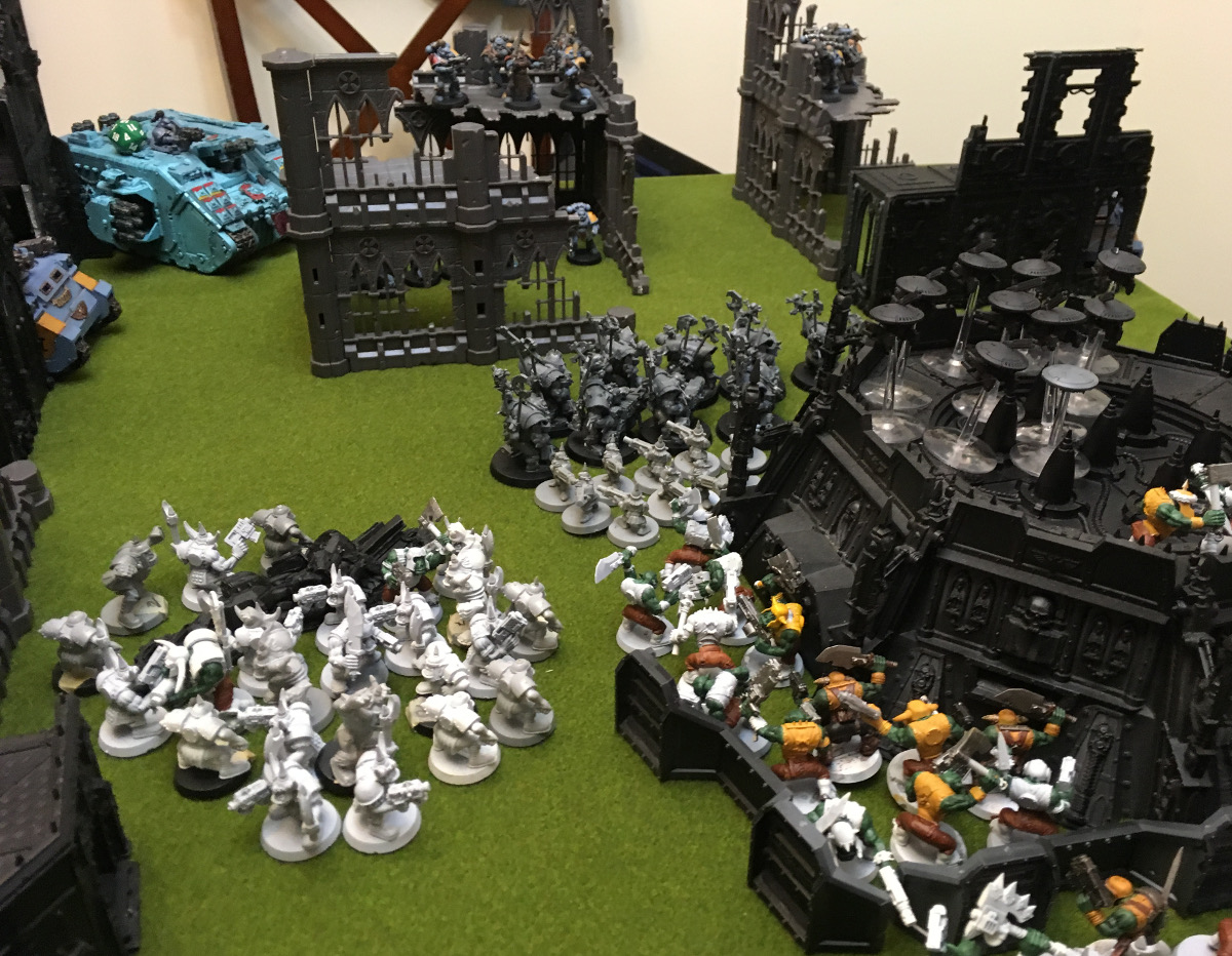http://www.aurumvorax.com/files/batreps/2000-wolves-vs-allied-tau-orks-20171021/0497-21-19-31-x5-still-coming.jpg