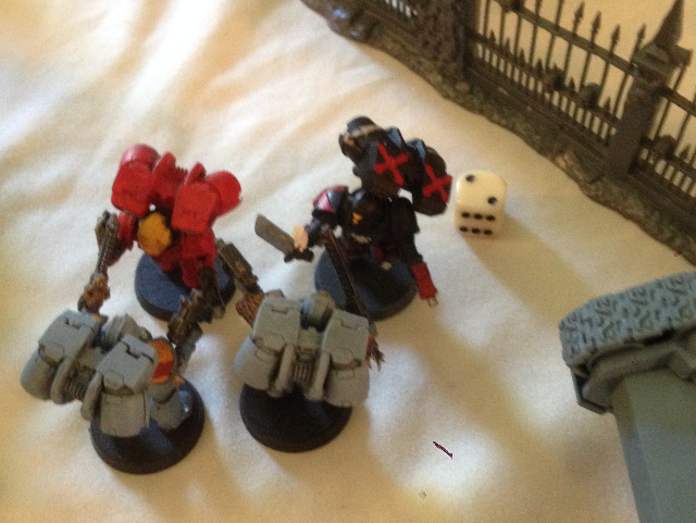 http://www.aurumvorax.com/files/batreps/20150822-SW-vs-BA-T/3081-22-13-12-turn-3-ongoing-combat.jpg