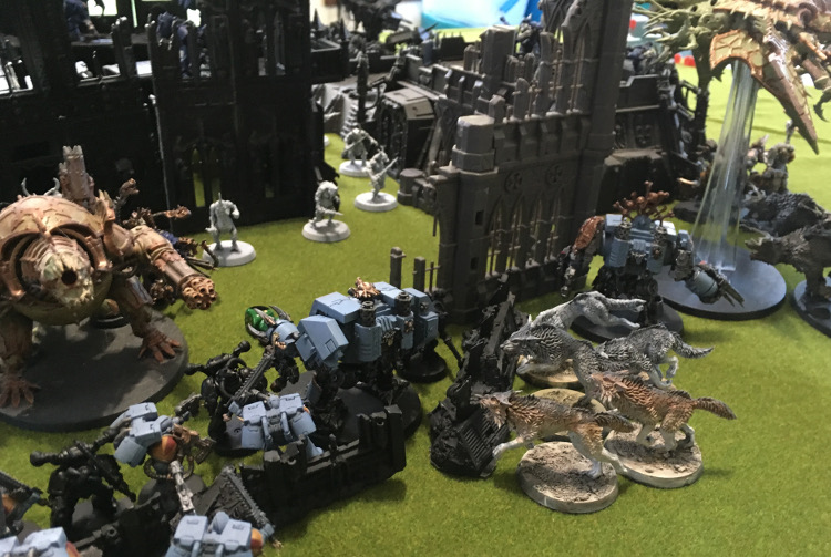 http://www.aurumvorax.com/files/batreps/2500pts-wolves-vs-night-lords-20180929/1027-29-18-26-w1-assault-different-angle.jpg