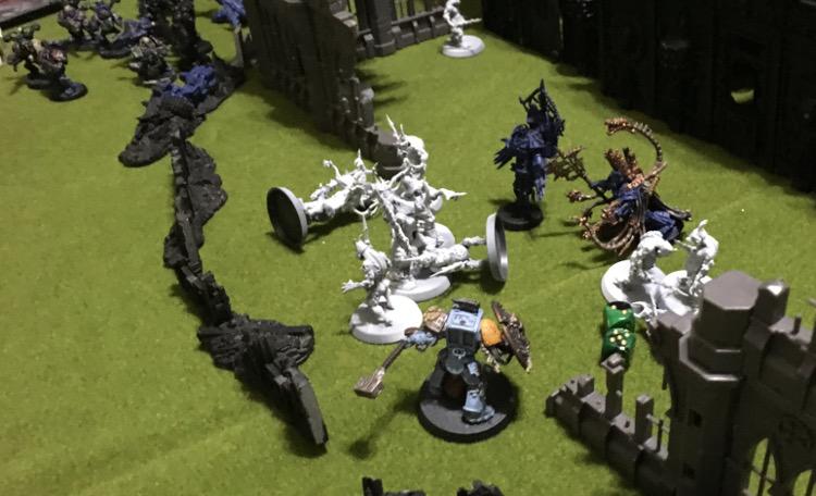 http://www.aurumvorax.com/files/batreps/2500pts-wolves-vs-night-lords-20180929/1040-29-20-27-w2-arjac.jpg