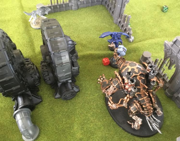 http://www.aurumvorax.com/files/batreps/750pts-wolves-vs-night-lords-20180929/1012-30-11-21-c3-maulerfiend-combat.jpg